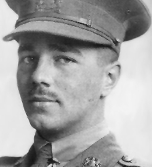 how do both wilfred owen and Wilfred owen was an english poet and soldier, he was one of the leading poets of the first world war owen wrote about the horrifying truth of war he wrote about trenches and gas warfare.