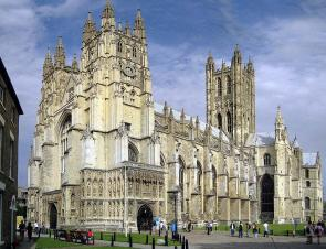 Canterbury Cathedral: West Front, Nave and Central Tower. Seen from south. Author: Hans Musil. GNU License.
